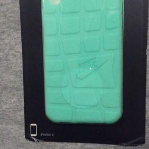 Nike Accessories - Nike roshe phone case
